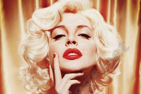 lindsey-lohan-as-marilyn-monroe-for-playboy-magazine-01