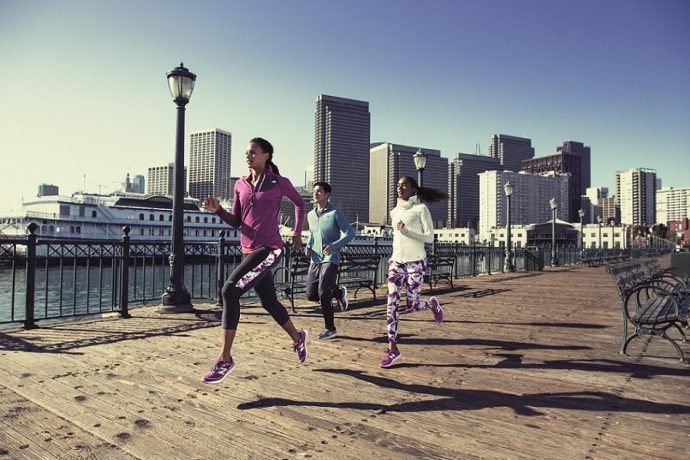 New Balance推出FRESH FOAM系列跑鞋,針對速度、長距離、越野3種機能,分別推出MW1980、MW980與MWITHIER 3款跑鞋,強打FRESH FOAM輕量避震兼具彈力的中底科技,提供跑