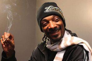 我們的神 Snoop Dogg 最新ㄎㄧㄤ自拍,大家來幫他評評分?!