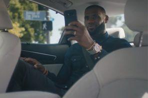 LeBron James 挑戰自動駕駛汽車!小皇帝的驚恐全寫在臉上!