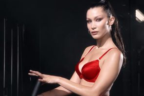 人氣女模無一缺席!《LOVE Magazine》聖誕倒數日曆預告片超性感!