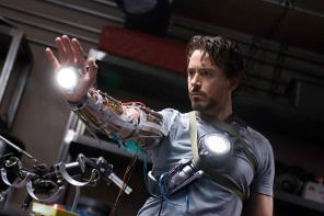 好萊塢化妝師親自曝光!原來鋼鐵人胸前「核反應爐」是這樣出現的!
